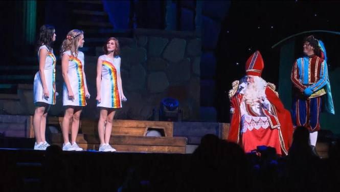 Ook Sinterklaas en Zwarte Piet zijn fan van nieuwe K3