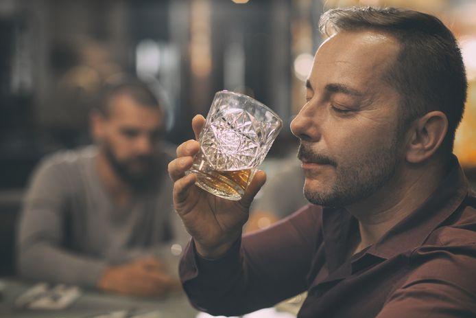 Een vleugje abrikoos of toch een nat fietsstuur? Zo lijkt het net of je veel van whisky af weet.