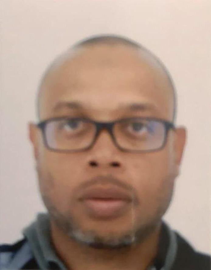Mickaël Harpon, die als IT'er op het hoofdbureau van politie werkte, werd na het bloedbad doodgeschoten door een alerte agent.