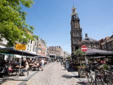 Terwijl het vriest een drankje pakken op het terras, winterterrassen in Zutphen