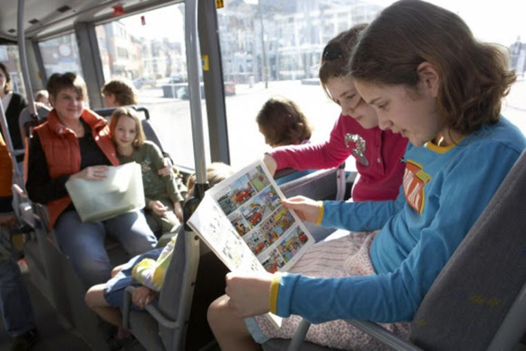 Boekengeschenk op tramlijnen 2 en 6 naar de Boekenbeurs