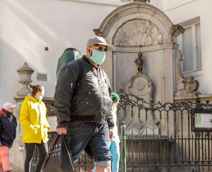 En Belgique, le port du masque n'a pas été encouragé officiellement. Et pour cause, il n'y en avait pas en stock