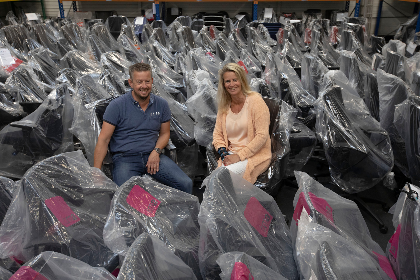 Wim in 't Veen en Juliette van der Lippe verkopen bij Jetchair jaarlijks meer dan vierduizend vernieuwde bureaustoelen.