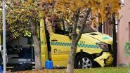 Gewapende man steelt ambulance en rijdt mensen aan in Oslo: tweeling van 7 maanden oud gewond