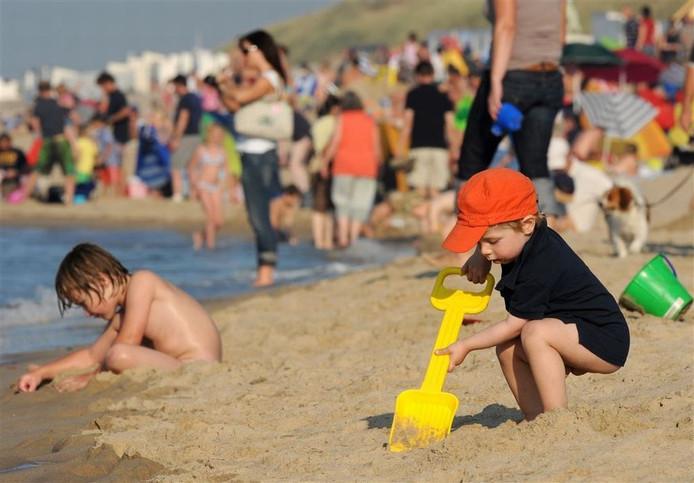 Het strand van Oostkapelle mag zich het komende jaar het Schoonste strand van Nederland noemen.