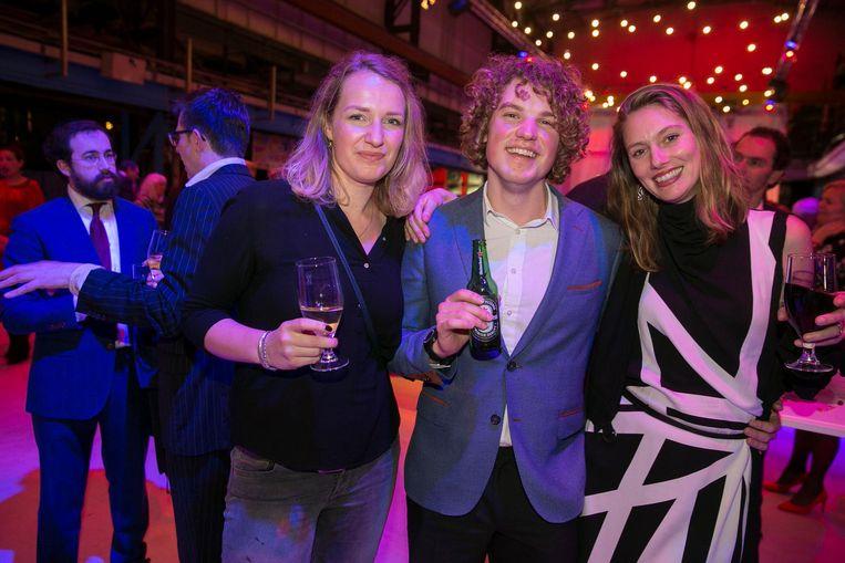 Anna Veltkamp (gemeente Amsterdam), Daniël van Duijn (Partij voor de Dieren) en Roosien Verlaan (specialist kunstonderwijs). 'Alsof er ook jongeren kwamen.' Beeld Amaury Miller