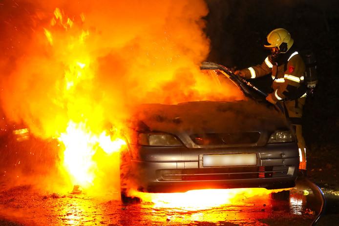 Weer een autobrand in Oss.