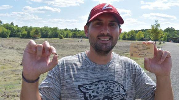 Josh Lanik met zijn waardevolle steentje.