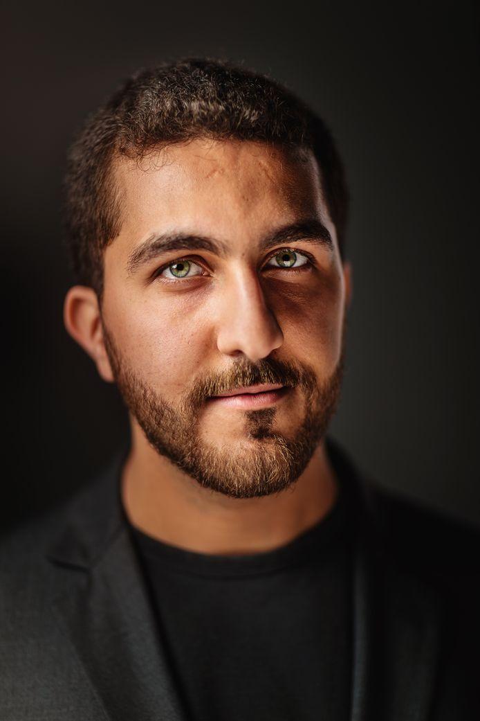 Alghaith Alsamuraii, ook bekend als Ray, maakt over zijn vlucht samen met theatermaker Fred Delfgaauw de voorstelling HOOP.