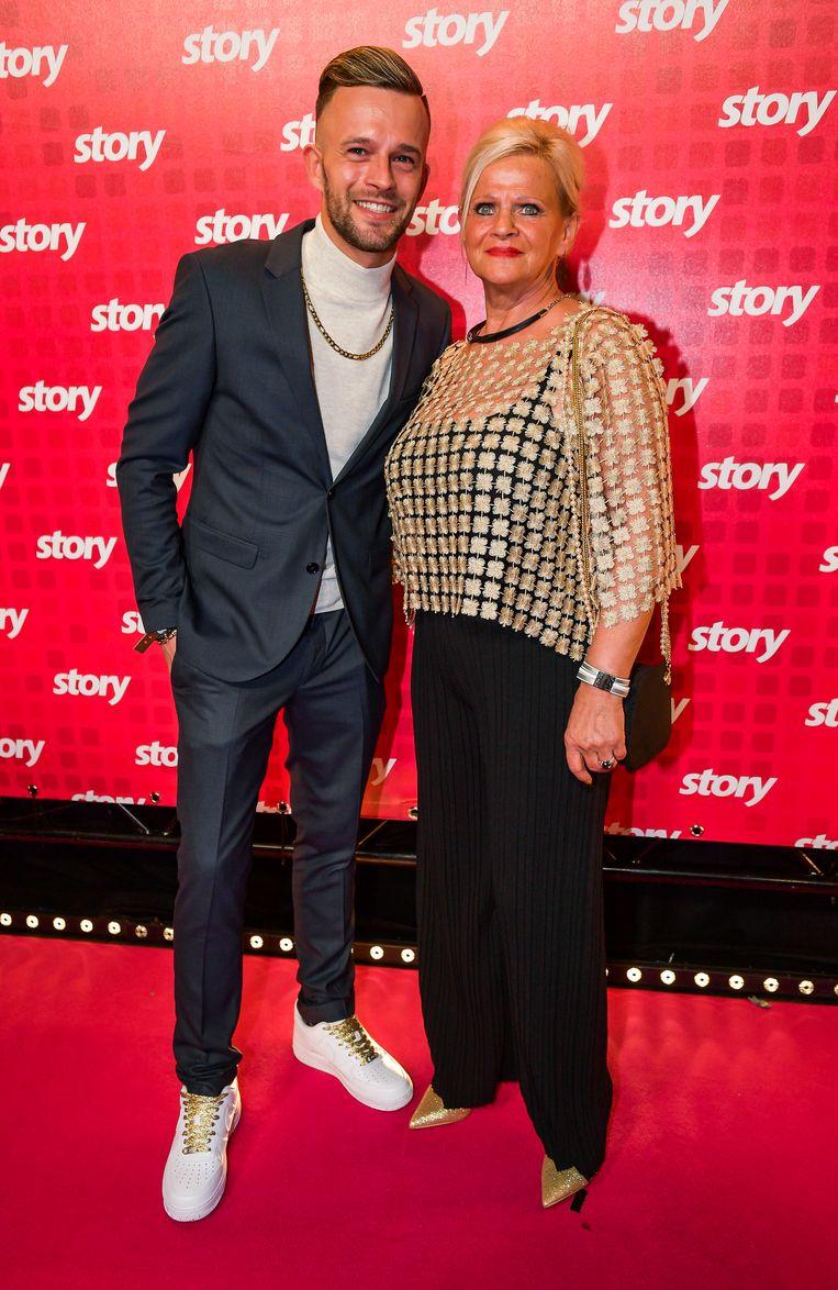 Tim van 'Temptation Island' en zijn mama.
