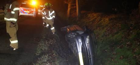 Automobilist 'vlucht' na ongeval in Voorthuizen