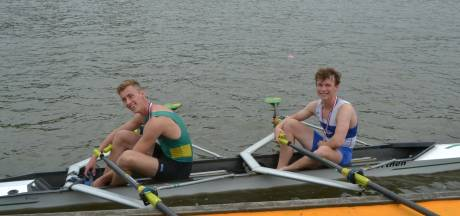 Julius van Hulst (16) uit Empel twee keer jeugdkampioen op NK roeien