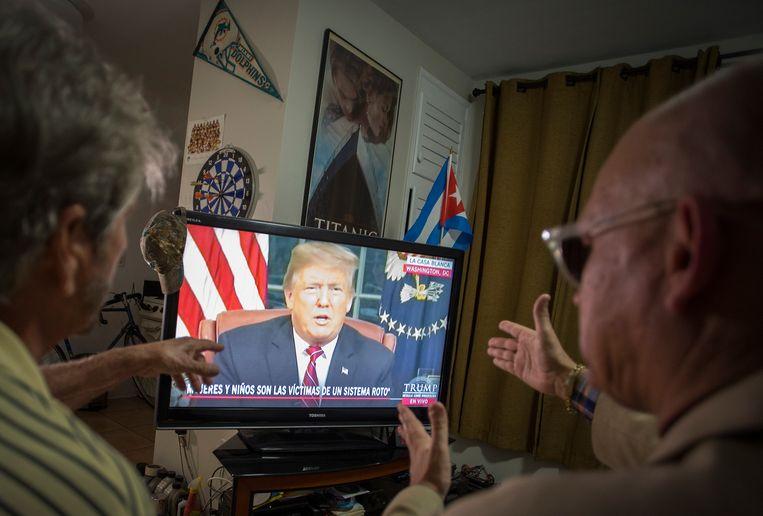 Trump verdedigde zijn grensmuur op televisie, en...