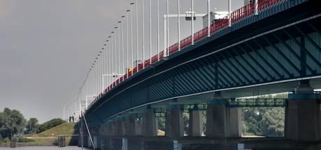 Haringvlietbrug komende weken 's nachts deels dicht voor werkzaamheden