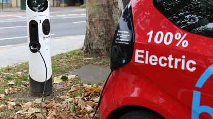 Alle 660.000 bedrijfswagens elektrisch vanaf 2023? Het kan, maar dan moeten er 100.000 laadpalen bijkomen
