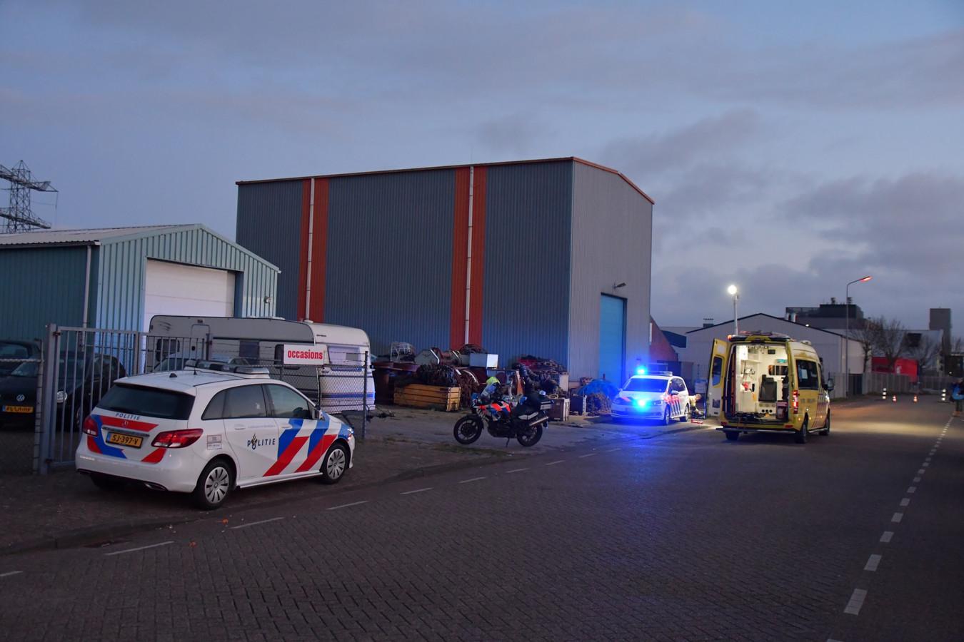 Bij een incident aan de Edisonweg in Vlissingen is een persoon zwaargewond geraakt.