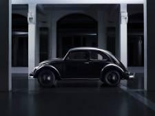 De oudste VW Kever ter wereld, gemaakt door Porsche, rijdt weer