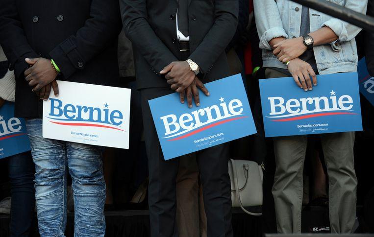 Aanhangers van de Democratische presidentskandidaat Bernie Sanders in Atlanta. Beeld REUTERS