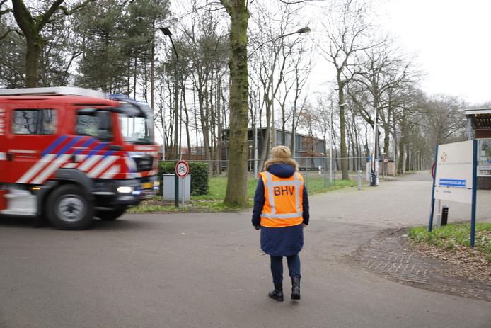 Na de melding kwam een grote hulpverleningsactie op gang vrijdag bij azc Overloon.