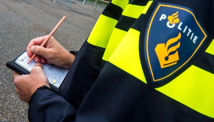 Politie deelt in jaar tijd 1481 coronaboetes uit in Almere