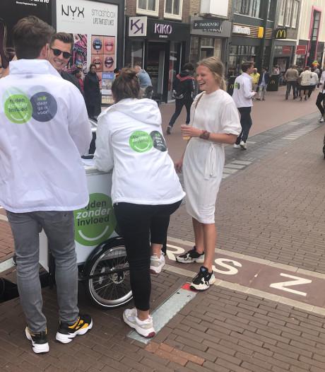 Alcohol- en drugstest voor bestuurders tijdens de Popronde in Doetinchem