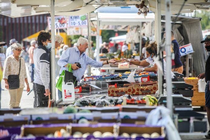 De woensdagmarkt terug naar de Burg en de Markt? PVDD vindt dat het moet kunnen.
