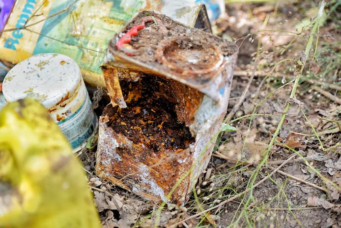 Chemisch bedrijfsafval gedumpt in buitengebied Goirle.