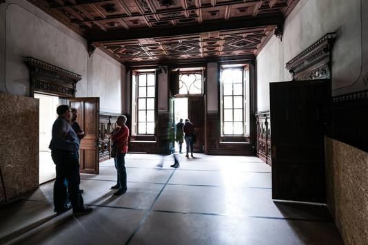 Binnen in het kasteel.