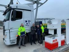 Tanken voor trucks bij Avia op Elsmoat in Enter