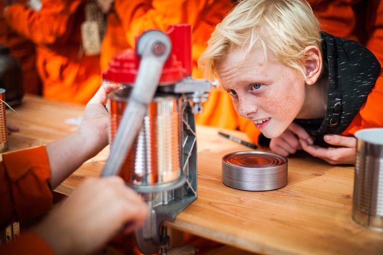 De Gezusters Hirngespinst serveren een blik soep op de toekomst.