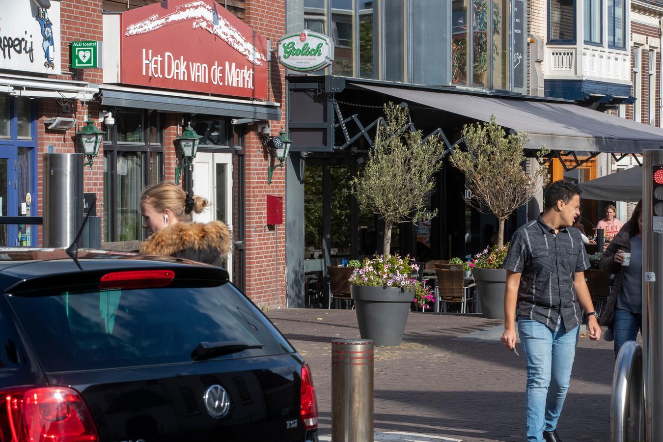 Het Dak van de Markt in Veenendaal: het bekendste café van de regio, tegen wil en dank.
