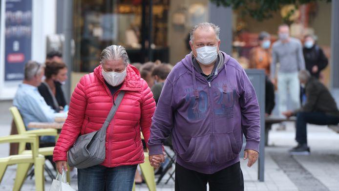 In onder meer Kortrijk waren mondmaskers al verplicht.