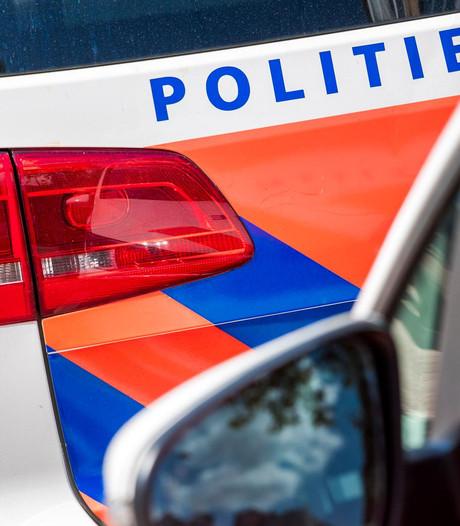 Vrouw neergestoken op woonboot Keizersgracht