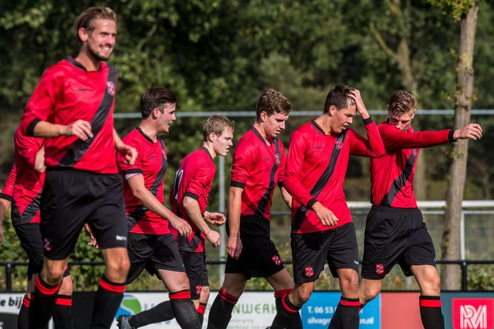 De voetballers van Holten missen door het afbreken van de competitie een spannende finale met rivaal ABS.