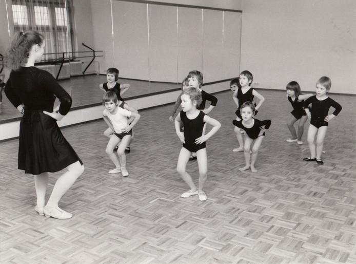 Kleuterballet in de Valkenswaardse muziekschool in 1977.