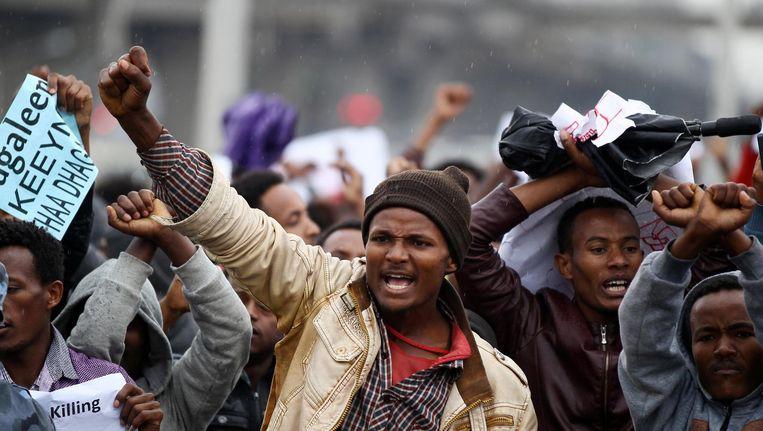 Demonstranten van Onomo in de hoofdstad Addis Ababa. Beeld Reuters