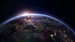 Wetenschappers geïntrigeerd door mysterieus radiosignaal dat om de 16 dagen naar Aarde wordt gestuurd