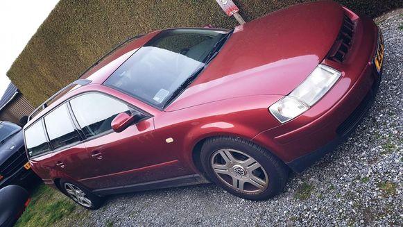 Zo zag de auto van Tom en Alexandra er oorspronkelijk uit.
