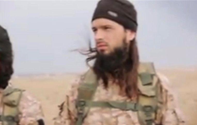 De naar verluidt in 2017 omgekomen Franse jihadist Abu Abdoellah al Faransi op een IS-propagandefilm uit 2014.   Beeld