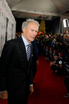 La journaliste couchait-elle pour avoir des infos? Polémique pour Clint Eastwood