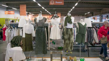 Shoppen in de Kringwinkel: mannen gaan voor boeken, vrouwen voor kleding