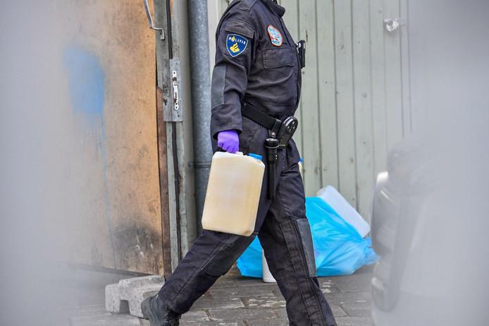 Eén van de gevonden drugsvaten in Geldrop.