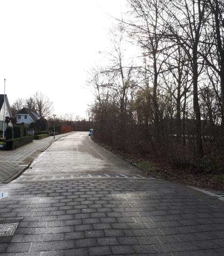 Voetbalclub WVF groeit uit zijn jasje: bewoners hekelen verkeersdruk Westenholte