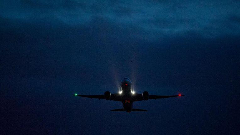 Alle nachtstarts vlogen over de veel dichter bevolkte woonwijken van Amsterdam-West en Amstelveen. Beeld anp