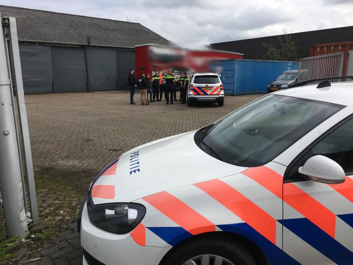 Vijf mannen zijn aangehouden.