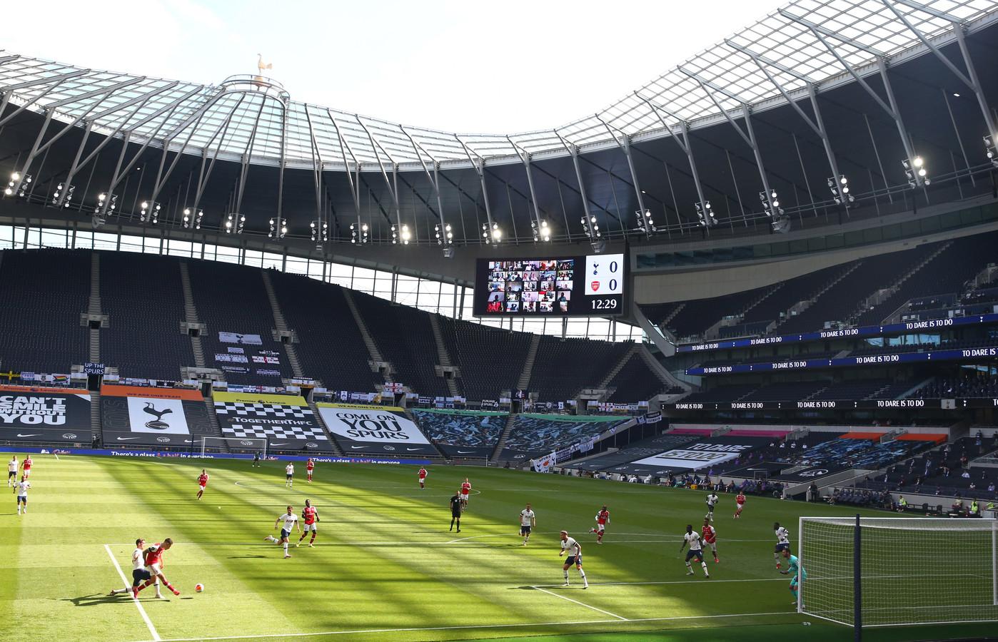 Eerder deze maand: Tottenham Hotspur - Arsenal voor lege tribunes.