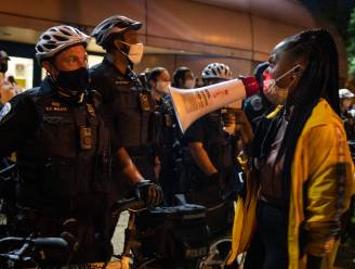 Politie schiet jonge zwarte man (18) neer in Washington
