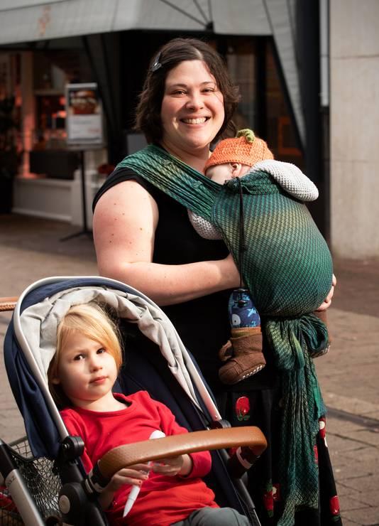 Bianca van der Mark met zoontjes Owen en Brennan.