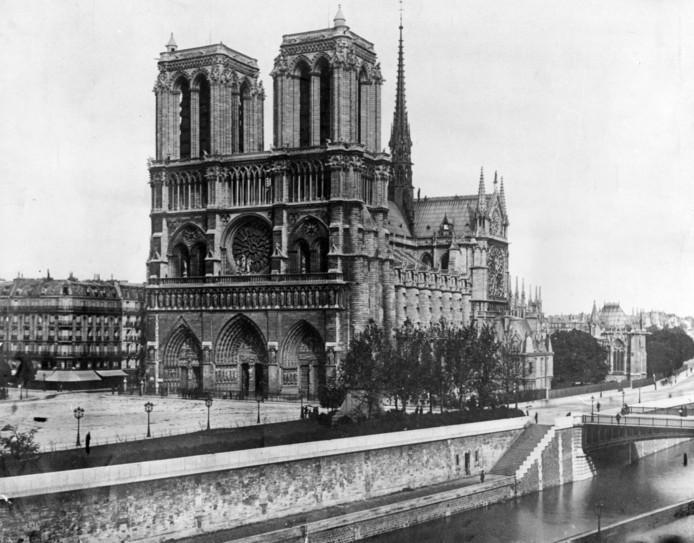 De Notre-Dame in 1911.