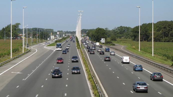 E40 in Jabbeke, Provincie West-Vlaanderen, België